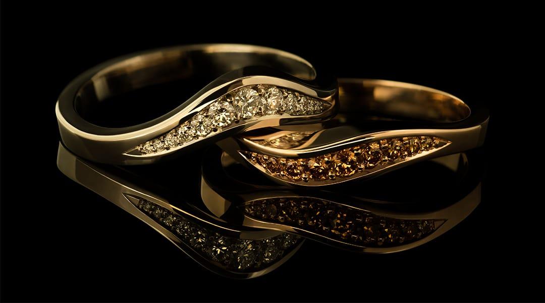 Juwelen met diamant en parels, ambachtelijk vervaardigd door goudsmid Marcel Jaasma